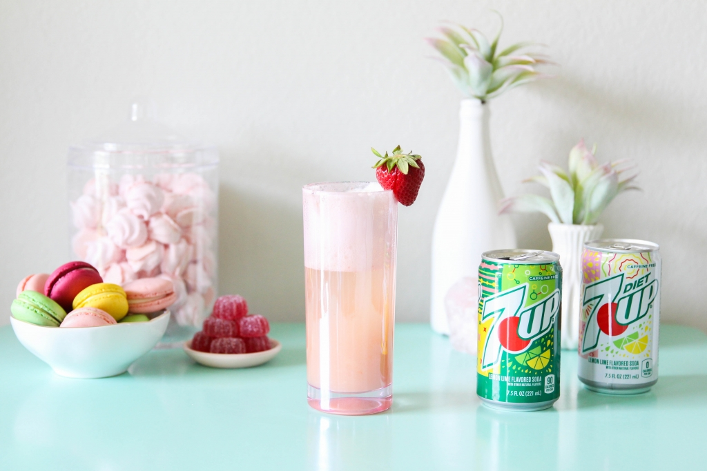 trawberry Lime Gin Fizz Retro Sweets Bar with 7UP 2 1024x683 - Strawberry Lime Gin Fizz & Retro Sweets Bar