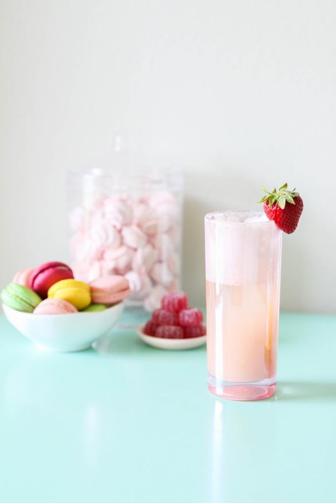 trawberry Lime Gin Fizz Retro Sweets Bar with 7UP 3 683x1024 - Strawberry Lime Gin Fizz & Retro Sweets Bar