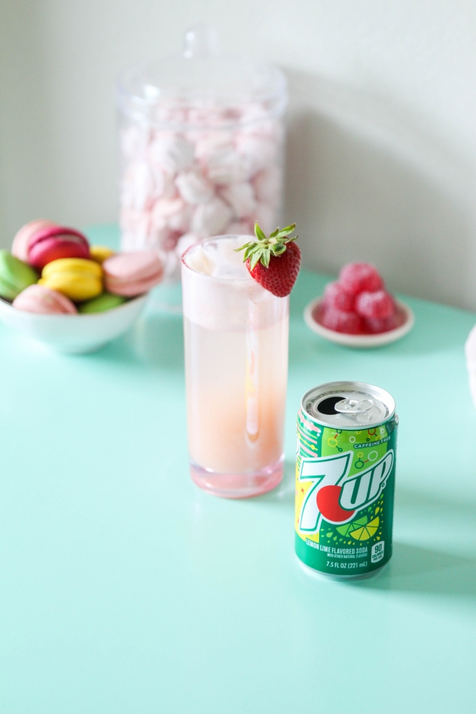 Strawberry Lime Gin Fizz with 7UP
