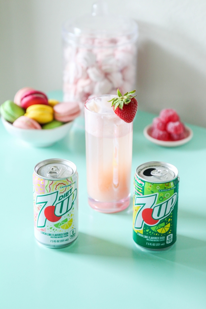 trawberry Lime Gin Fizz Retro Sweets Bar with 7UP 8 683x1024 - Strawberry Lime Gin Fizz & Retro Sweets Bar
