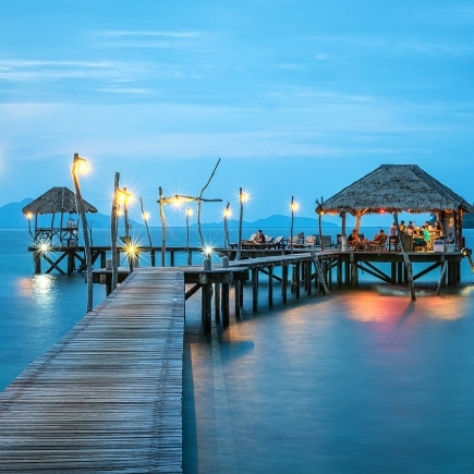 jetty 1807471 1920 435x435 - Cancún: You've Never Seen The Caribbean Like This Before