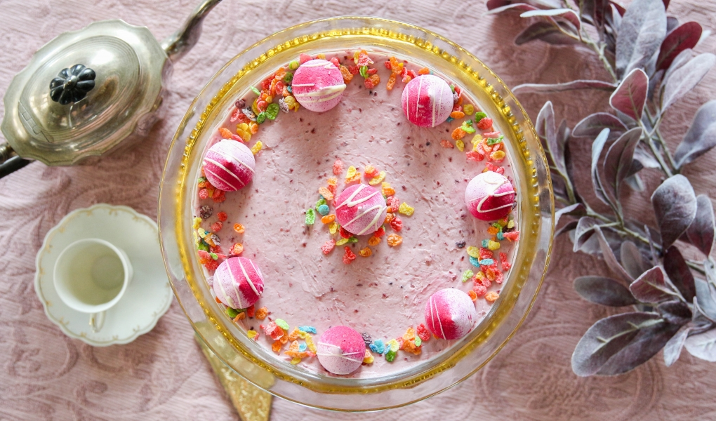 Fruity PEBBLES™ Raspberry Cream Tart
