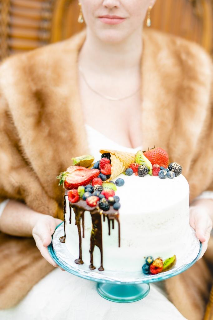 A Sweet Bohemian Elopement Amanda MacPhee Studios 0C1A4904 big 683x1024 - Quick Take: Welsh Cookies + Bohemian Winter Cakes