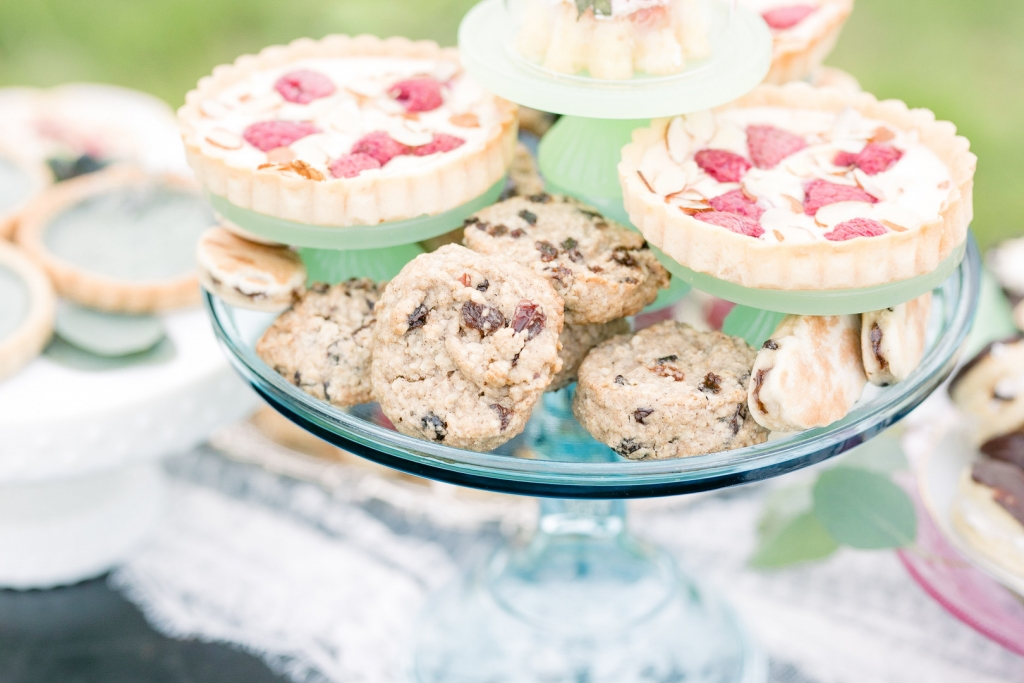 A Sweet Bohemian Elopement Amanda MacPhee Studios 0C1A6079 big 1024x683 - Quick Take: Welsh Cookies + Bohemian Winter Cakes