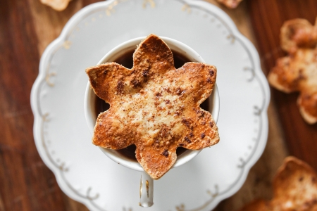 Spiced Cauliflower Tortilla Snowflake Chips
