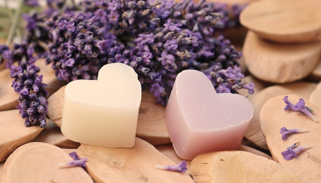 lavender 2443210 1920 1024x583 - 5 Ways To Turn Your Bathroom Into A Relaxation Zone
