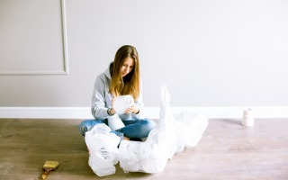 photo of a woman sitting down 3615712 320x200 - Five Tips for When You're Moving a House