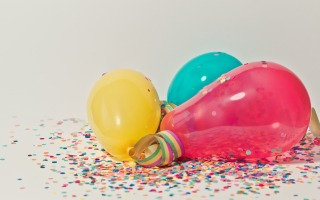 yellow pink and blue party balloons 796606 320x200 - Throwing A Themed Party: Getting the Decorations Right