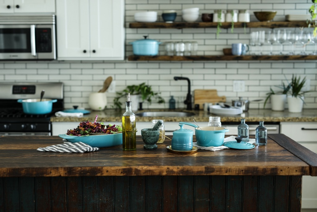 edgar castrejon OXFGMUaNhM unsplash 1 1024x683 - Create A Welcoming Kitchen With These 5 Tips
