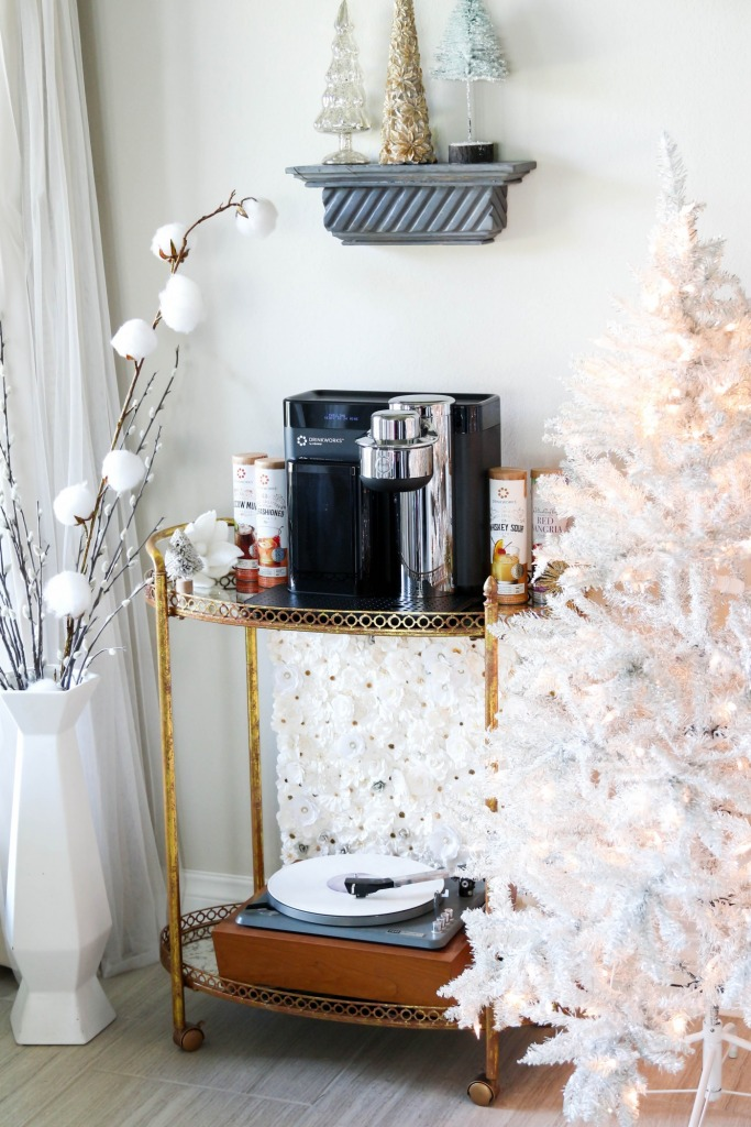 Playtime with Drinkworks Home Bar by Keurig Classic Holiday Music 1 683x1024 - Playtime with Drinkworks® Home Bar by Keurig® + Classic Holiday Music