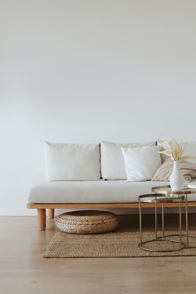 pexels maksim goncharenok 4352247 683x1024 - Simplify Your Living Space with Minimalist Design